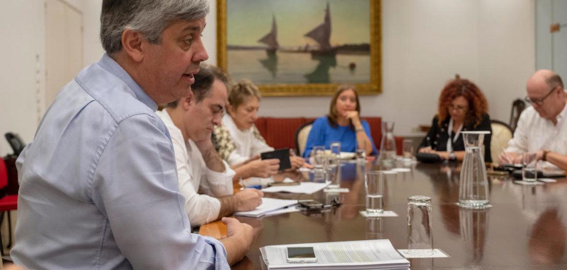Mario Centeno e os jornalistas da AIEP | Foto: Horacio Villalobos