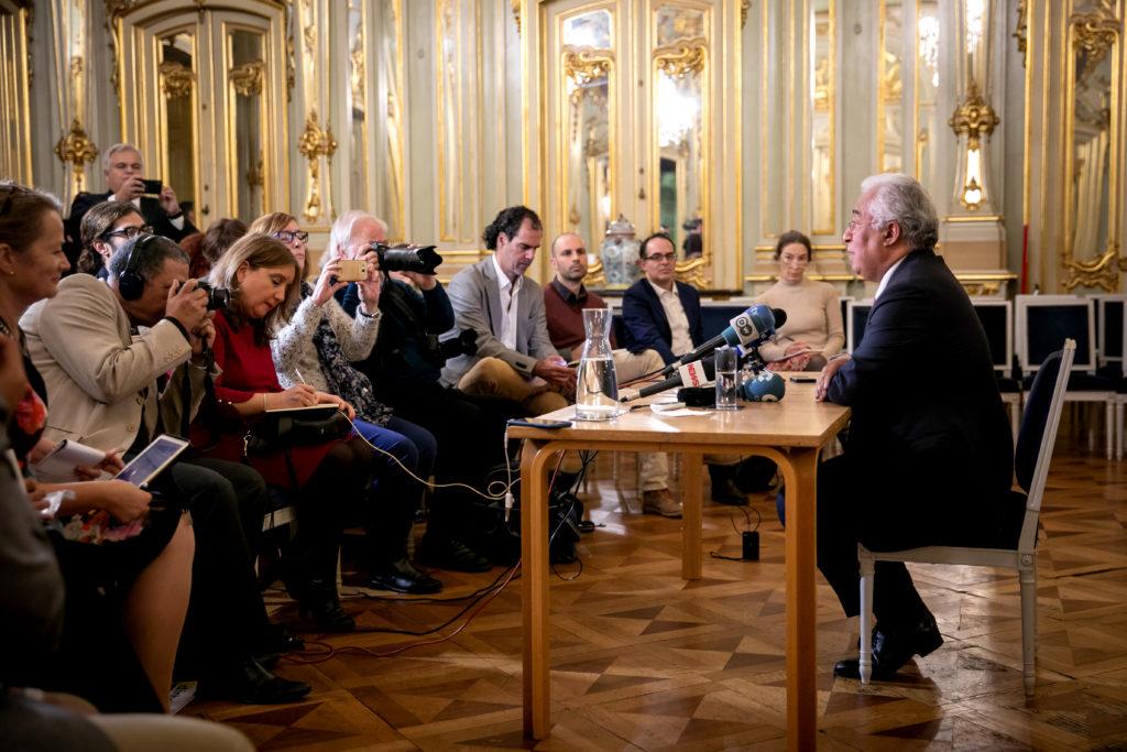 Jornalistas da AIEP entrevistam António Costa | Foto: Paulo Vaz Henriques/GPM