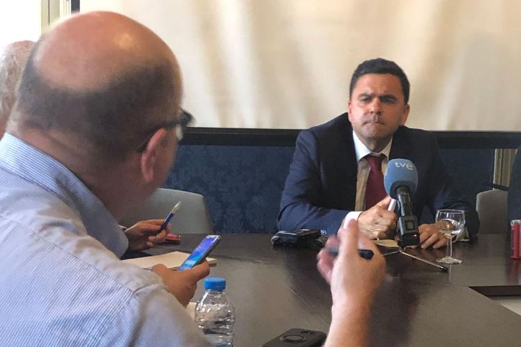 Candidato do PS às europeias, Pedro Marques foi entrevistado por correspondentes estrangeiros em Portugal | Foto: AIEP/Divulgação