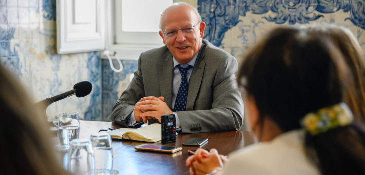 Ministro dos Negócios Estrangeiros foi entrevistado por jornalistas da AIEP | Foto: Horacio Villalobos