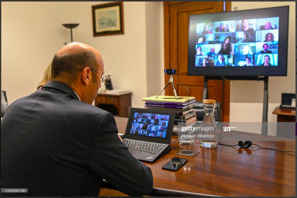 "<a href=""http://aiep.eu/2020/04/27/ministro-da-economia-concede-entrevista-virtual-a-aiep/"">AIEP entrevista o ministro da Economia</a>"